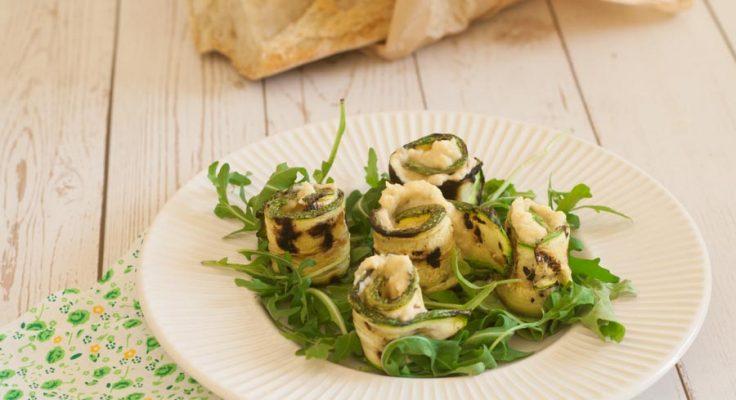 Rotolini di zucchine con crema di ceci