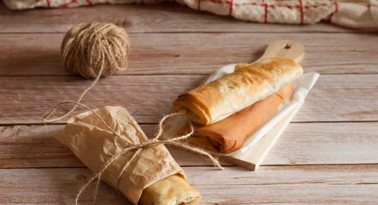 Involtini di pasta fillo con funghi e formaggio